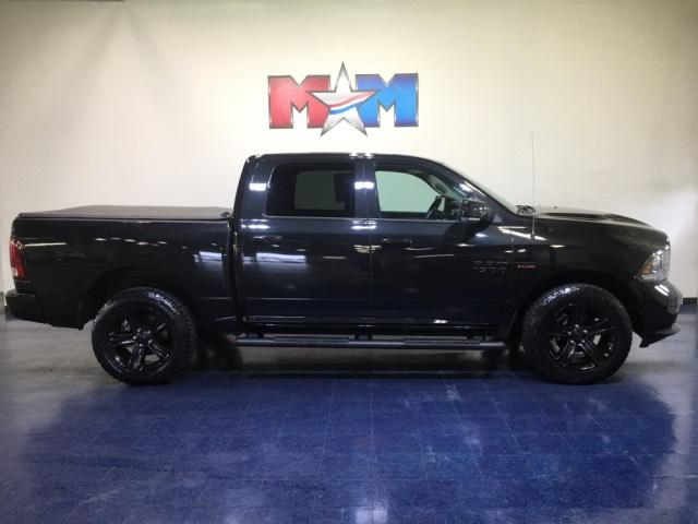Pre-Owned 2017 Ram 1500 Night 4x4 Crew Cab 5'7 Box
