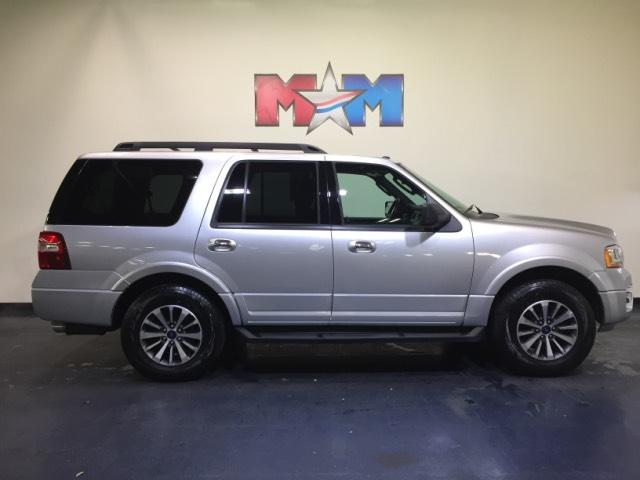 Pre Owned 2017 Ford Expedition Xlt 4x4 Sport Utility In