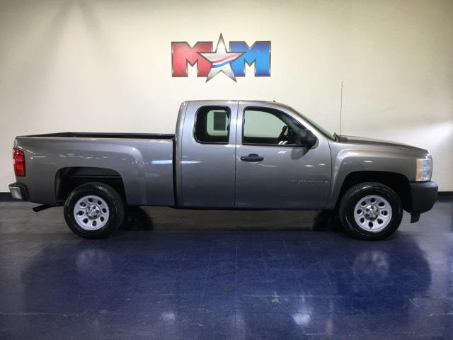 Pre-Owned 2009 Chevrolet Silverado 1500 2WD Ext Cab 143.5 Work Truck