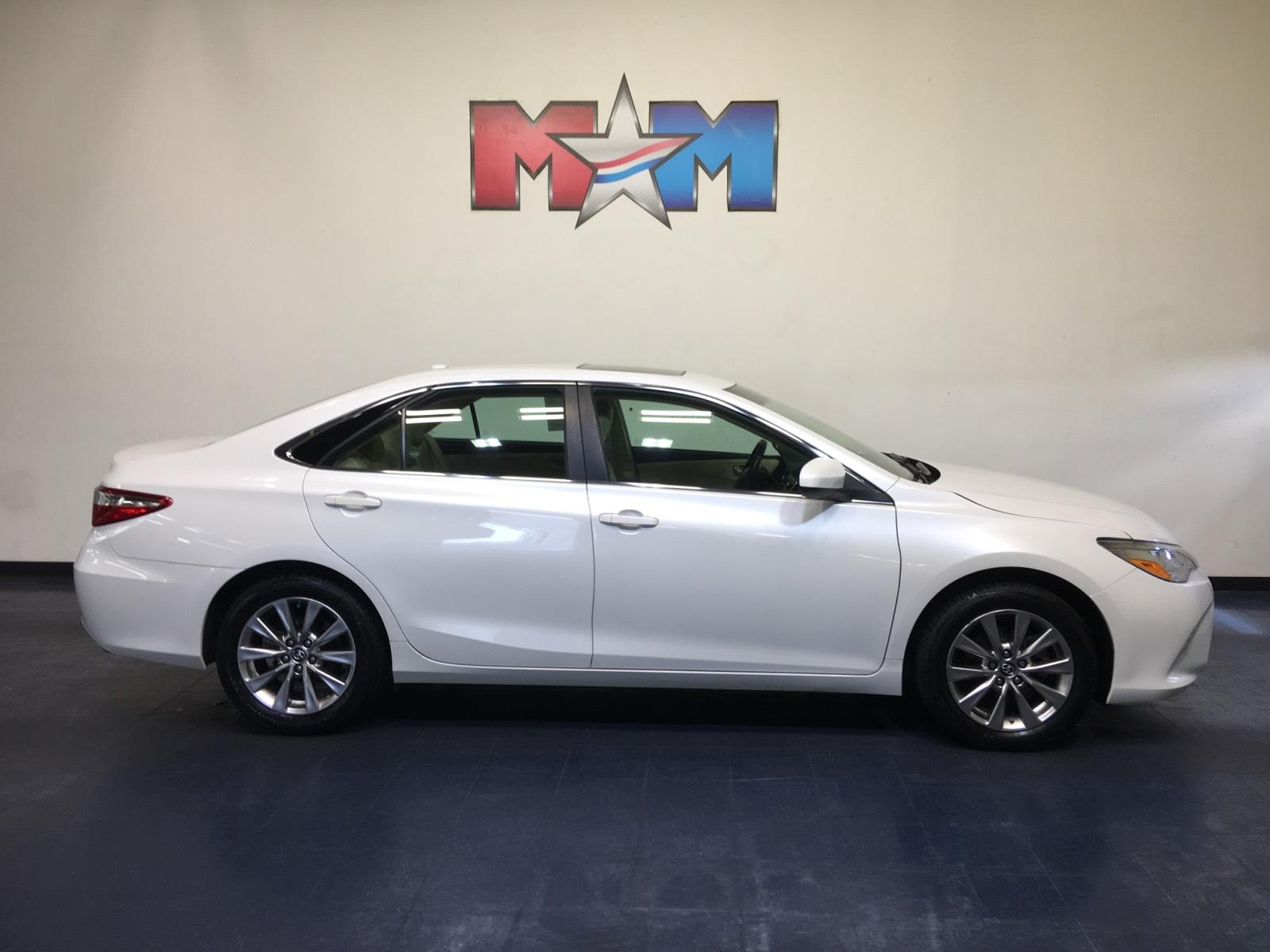 Pre-Owned 2017 Toyota Camry XLE V6 Auto