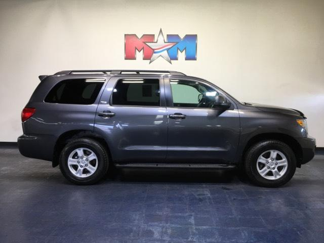 Pre-Owned 2016 Toyota Sequoia 4WD 5.7L SR5