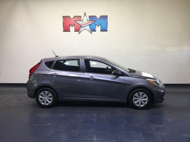 Pre-Owned 2016 Hyundai Accent 5dr HB Auto SE