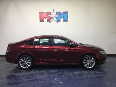 Pre-Owned 2015 Chrysler 200 4dr Sdn S AWD