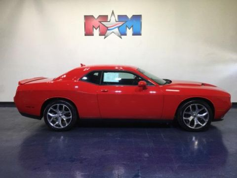 Pre-Owned 2015 Dodge Challenger 2dr Cpe SXT Plus