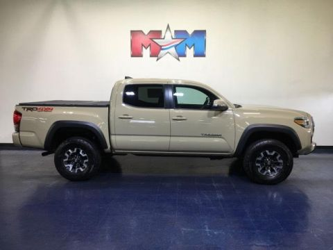 Pre-Owned 2016 Toyota Tacoma 4WD Double Cab V6 AT TRD Off Road