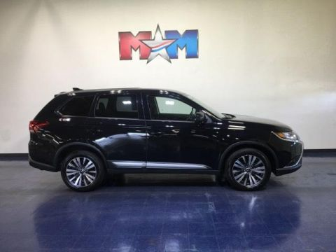Pre-Owned 2019 Mitsubishi Outlander ES AWC